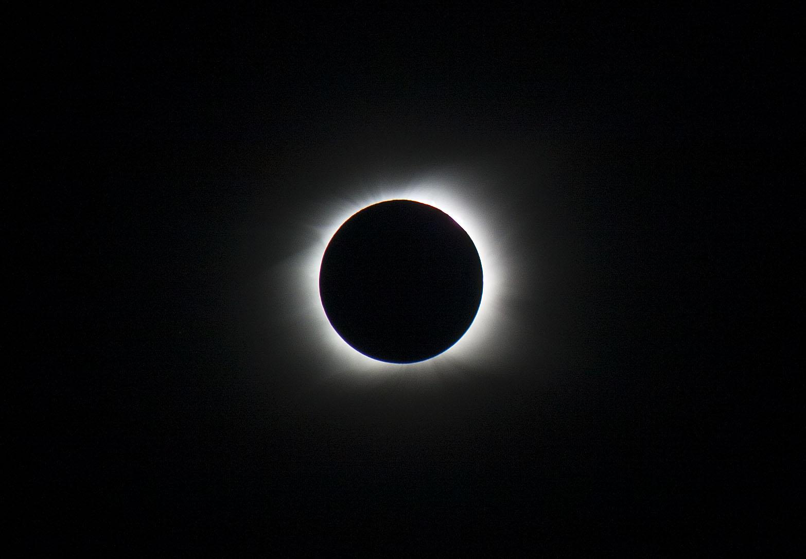 Ver el Eclipse total de Sol 2020