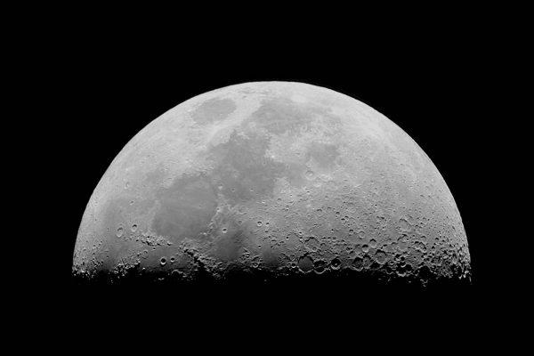 astronomía-bajo-luna