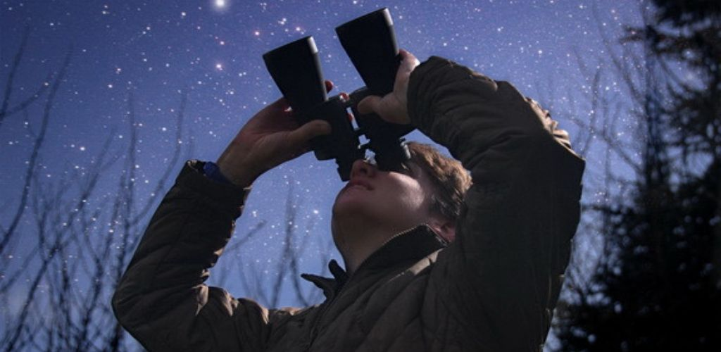 Los mejores prismáticos astronómicos para ver las estrellas